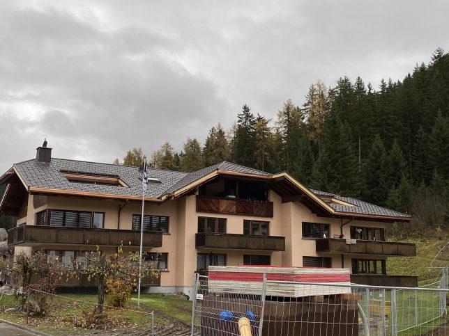 Prefa Dachplattensystem R.16. Eine sehr leichte Aluminiumeindeckung. Ist in einer vielfalt von Farben erhältlich